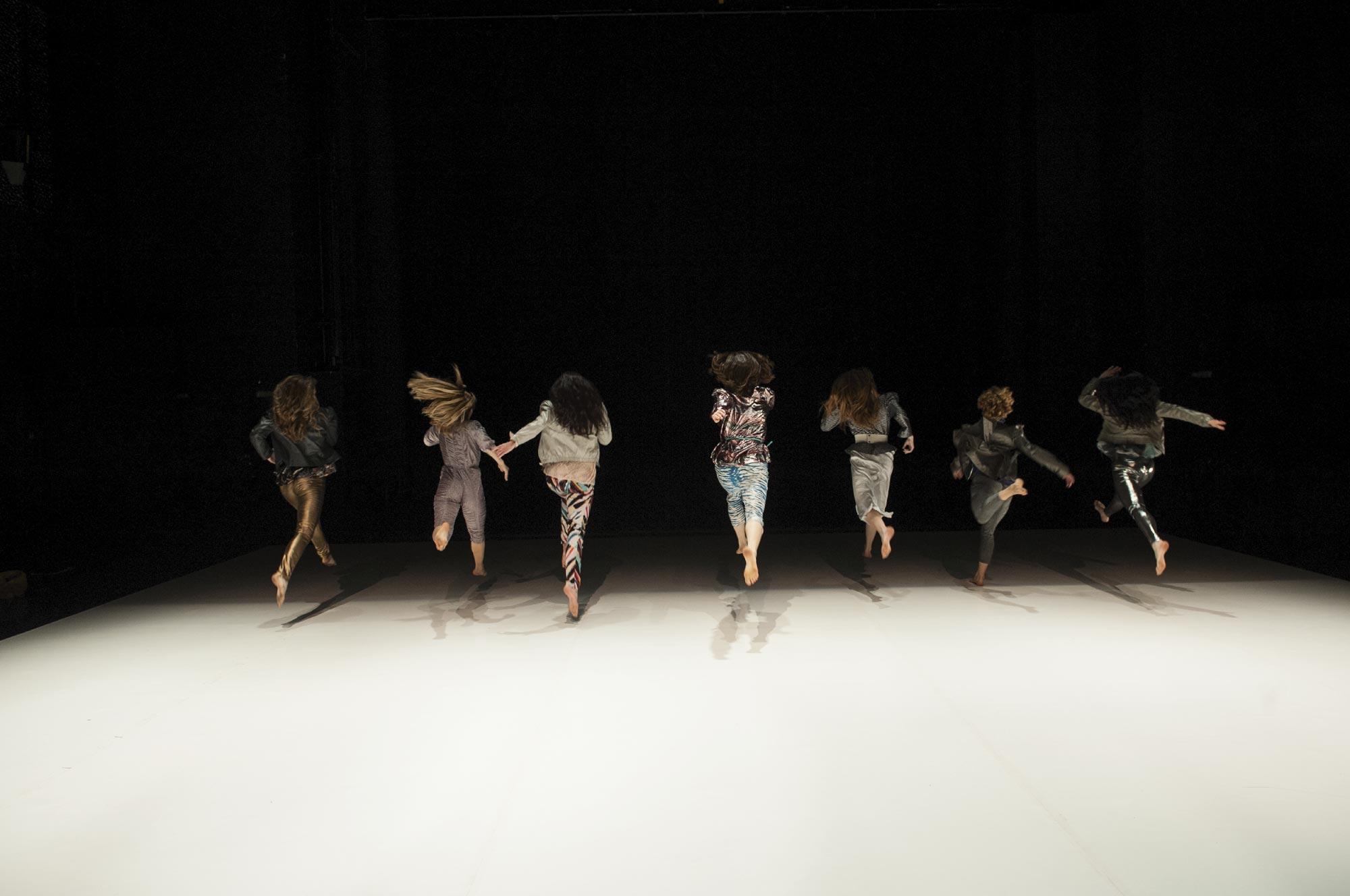 Premijera plesne predstave 'Spektakl' na srednješkolskom igralištu Elipsa